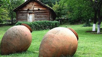 Vitalia.cz: Kvevri víno: na podzim zakopete, na jaře pijete
