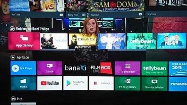 """Menu na tlačítku Home. """"Kolekce aplikací Philips"""" označuje aplikace z platformy Net TV, v kolonce """"Aplikace"""" jsou už ty přímo pro Android. Kolovat se v Home bohužel nedá na žádný způsob a ovládání je tak poněkud otravné a pomalé. Poděkujte Googlu…"""