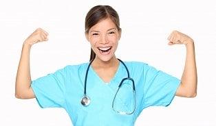 Zdravotní sestra zvedne během směny skoro dvě tuny