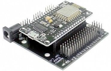 V3 - Base kit - rozšírujúca doska pre piny NodeMCU, pričom sú GPIO piny rozšírené o 3 a ľavá strana NodeMCU o 1 pin + Výstupné piny GND, 5V. Base kit má integrovaný regulátor, vďaka čomu je možné NodeMCU napájať až na 24 voltov.