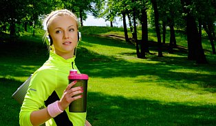 Proteinové nápoje podle odborníků: Při sportu, při dietě, dokonce idětem