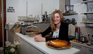 Nesnáším, když vidím vkavárnách rozmražený cheesecake