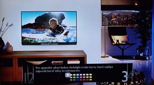 Přímo v instalaci si můžete doladit barvu osvětlení pozadí Ambilight. Nejenže skvěle dotváří rámec televizoru a šetří váš zrak, ale díky LED diodám spotřebuje jen nějaké dva, tři watty.