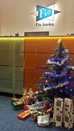 Vánoční výzdoba u Fio banky na centrále
