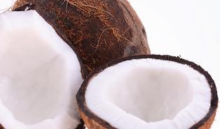 Kokosový apalmový olej– velmi levné tuky, kterým je lépe se vyhnout