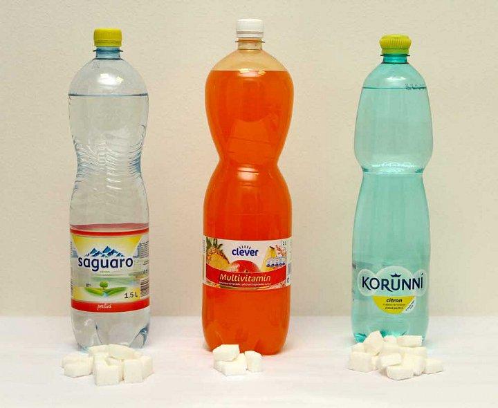 Tekutiny doplňujeme cukrem a konzervanty