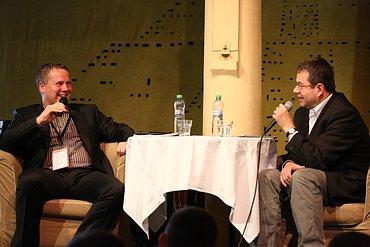Jiří Konečný (ELKO EP) spolu s moderátorem Petrem Koubským.