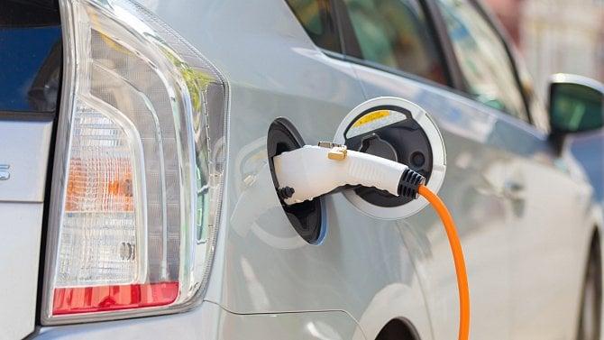 Postřehy zbezpečnosti: nabíjení elektromobilů zadarmo kvůli chybám ve stanichích