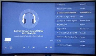 Ukázkové přehrávání muziky u Samsung UE48JU6742U.