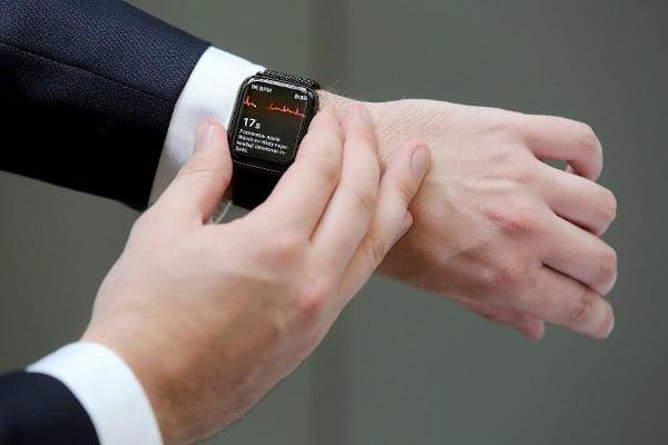 Chytré hodinky odešlou data přímo lékaři.