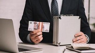 """Podnikatel.cz: České firmy """"ve spárech"""" ruských majitelů?"""