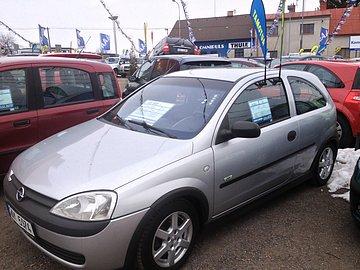 Opel Corsa nabízený s LPG, které nefunguje.