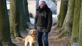 DigiZone.cz: Recenze Temný Kraj: Lukáš Vaculík a… pes