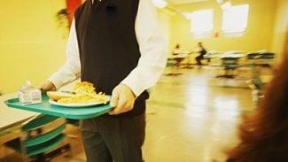 Podnikatel.cz: Levné školní jídelny likvidují malé restaurace