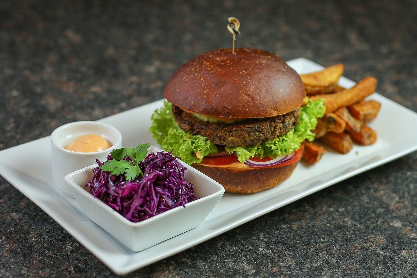 Vegetariánské menu a prostory vegetariánské restaurace
