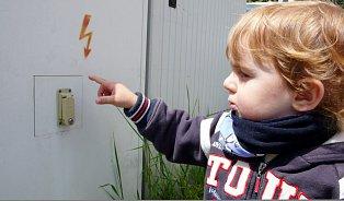 Hlídačky vydaly první pomoc dětem. Je online zdarma
