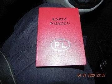 """Nelegální podnikání v taxislužbě prostřednictvím aplikace Bolt. Vůz """"taxislužby"""" byl registrovaný v Polsku. (9. 1. 2020)"""