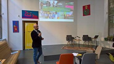 Nicolas Diacono, digitální projektový manažer z Echangeur prezentuje nové trendy nakupování a placení. (10/2018)