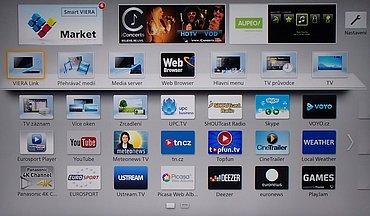 Přehledná obrazovka s nejrůznějšími aplikacemi (widgety) ze které vstoupíte mj. i na otevřený web, do přehrávání multimédií, resp. přehledu nahraných pořadů, či na DLNA server.