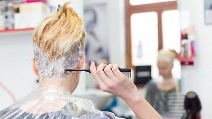 Vitalia.cz: Nebezpečné barvy na vlasy. Látka PPD způsobuje alergie
