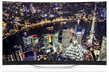 LG 55EC930V (49.990 Kč) je jedna ze dvou OLED televizorů, které se nám do padesáti tisíc vešly. Obě mají zakřivené obrazovky.
