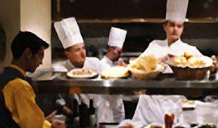 Restauratér versus Slevomat: Pro koho je vlastně výhodný oběd se slevou?