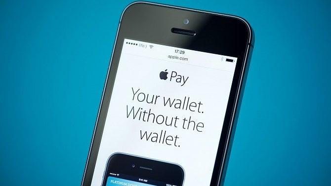 Apple Pay je nejoblíbenější platební metodou. Češi tak utratili několik miliard