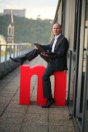 Roman Truhlář převzal žezlo ředitelování v říjnu 2011 a mBank mu doslova sedla :-)