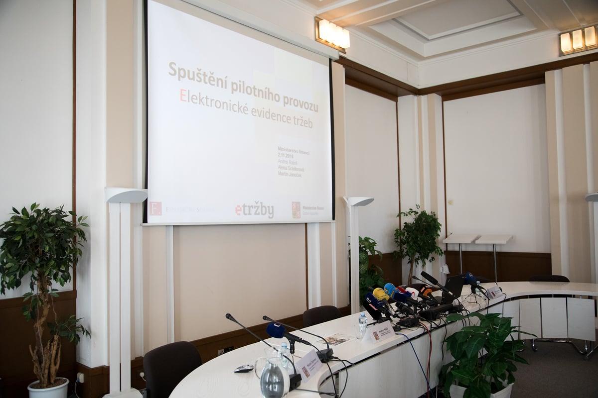 Tisková konference MF k EET (2. 11. 2016)