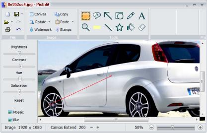 PicEdit zvládá upravovat obrázky a kreslit vektorovou grafiku