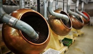 Jak se vyrábějí oříšky včokoládě? Máčením ne