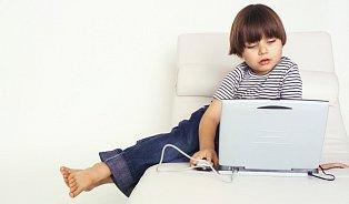 Děti na internetu: ohrožuje jejich vývoj?