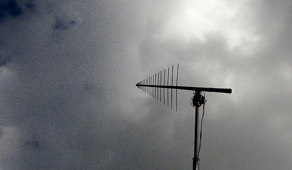 Anténní systém mobilního měřícího vozu Českých Radiokomunikací