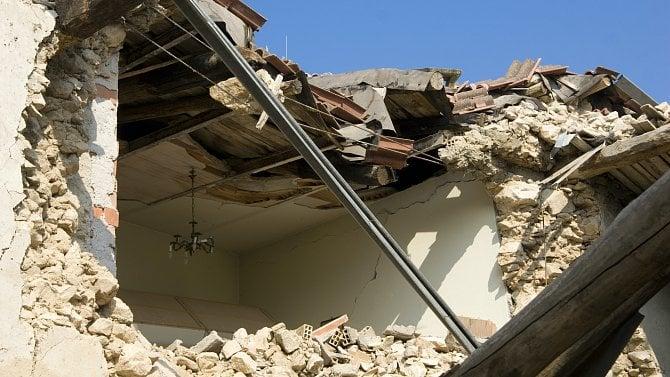 Jak a kam nahlásit škody po tornádu? Přehled kontaktů na pojišťovny