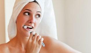 5nejčastějších chyb, které děláme při čištění zubů