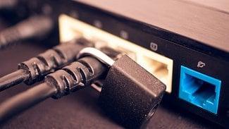 Soukromí vDNS: krátké dotazy ašifrovaná komunikace