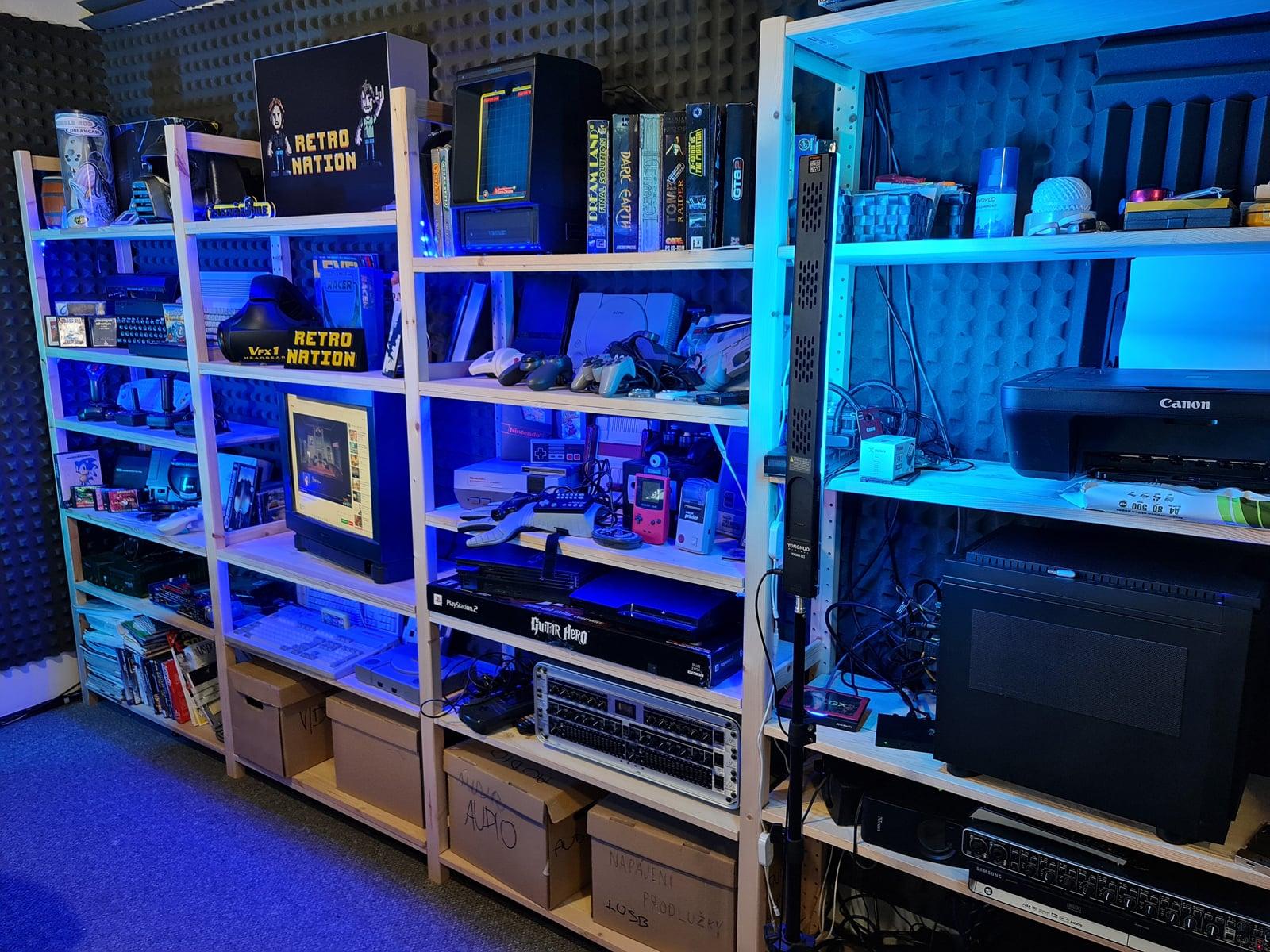 Retro Nation: studio a historický hardware
