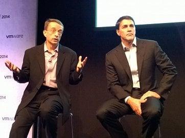 Výkonný ředitel VMwaru Pat Gelsinger (vlevo) a provozní ředitel Carl Eschenbach.