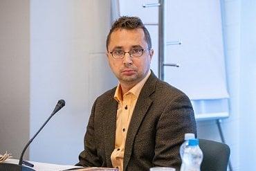 Novinář a šachista Pavel Matocha byl do Rady České televize zvolen na konci května 2020.