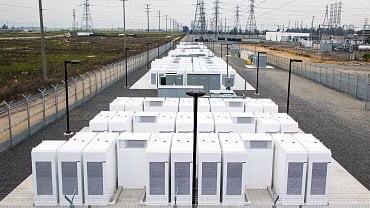 Bateriový komplex Tesly v Kalifornii