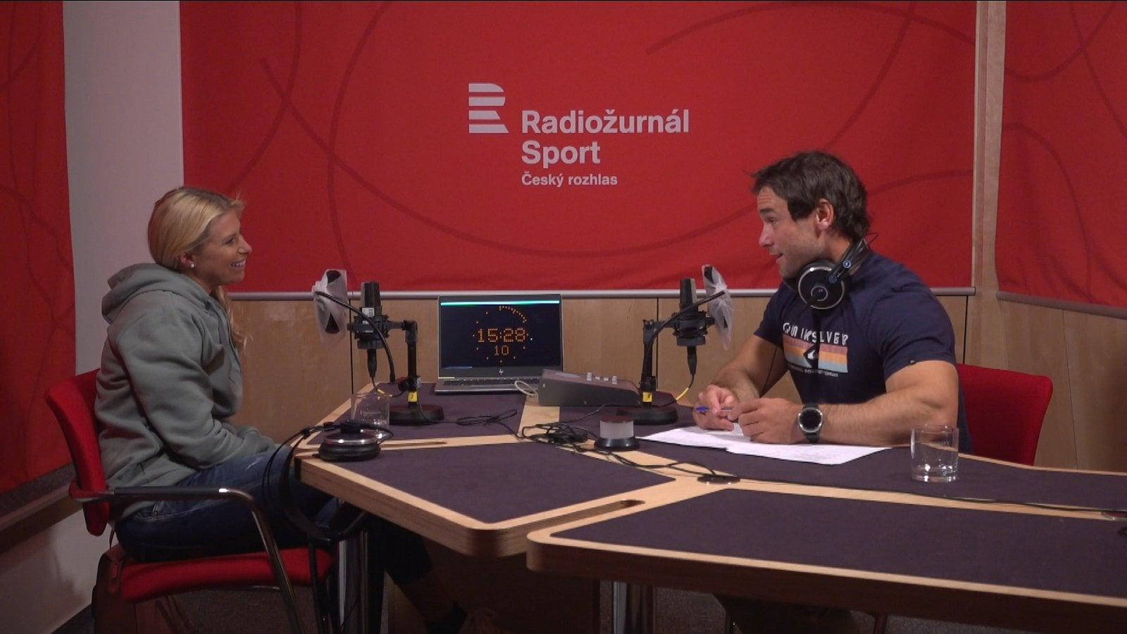 Natáčení pilotních dílů v provizorním studiu Radiožurnálu Sport