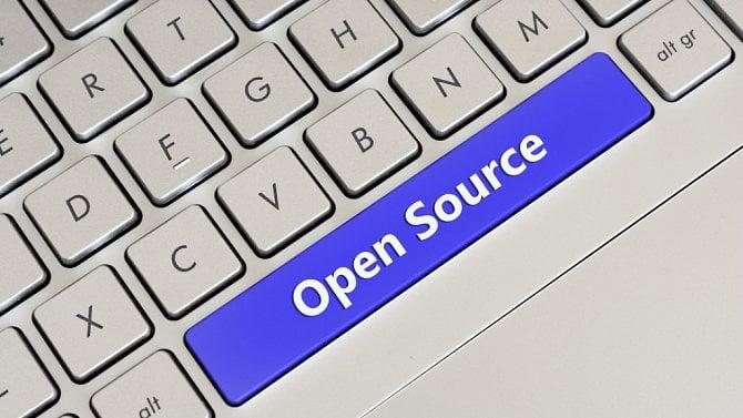 Je možné vydat státem vyvinutou aplikaci jako open source? Přečtěte si právní analýzu