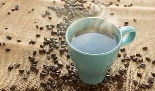 Dobrá zpráva: Káva není karcinogenní, ale nepijte ji příliš horkou!