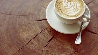 Java káva na dřevu