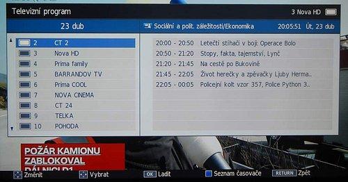 EPG je ve zcela jiném stylu, ale je přehledné a dobře čitelné. Pouze na jedné obrazovce nevidíte v tu samou dobu přehled pořadů pro více stanic najednou.
