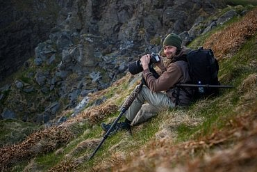 Při focení papuchalků v Norsku