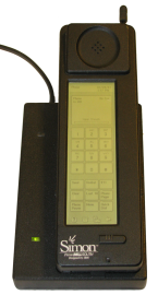 """IBM Simon byl prvním """"chytrým"""" telefonem. Prodával se pouze rok."""