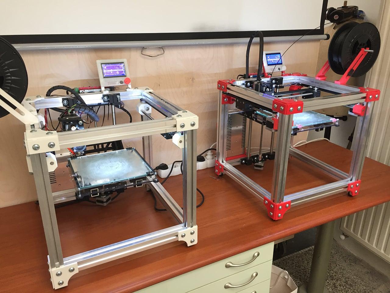 Spolek a dílna 3D Aréna a tiskárna KRYAL Cube