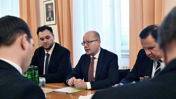 Ministerstvo průmyslu zatím povede Sobotka. Nového ministra navrhne až posjezdu