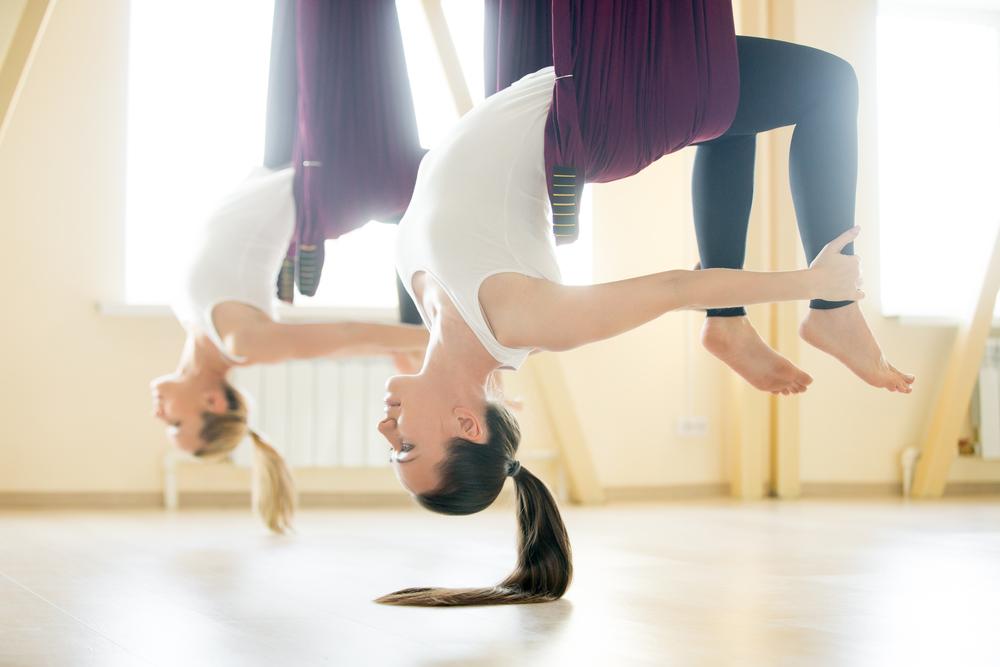Aerojóga, flying jóga, antigravity či létající jóga